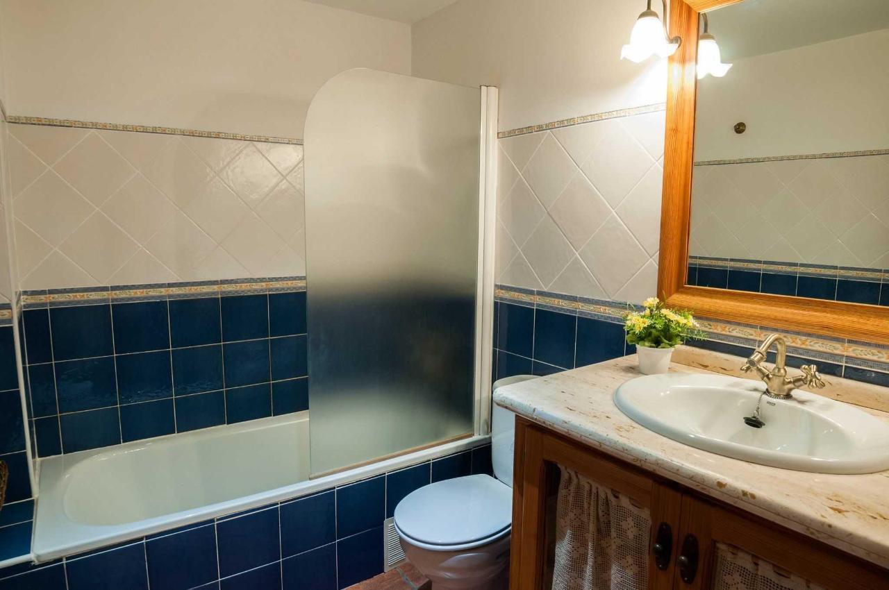 Baño completo del segundo piso