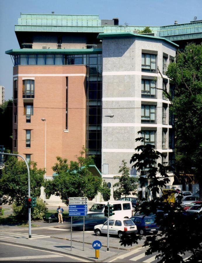 Frente Residence.jpg