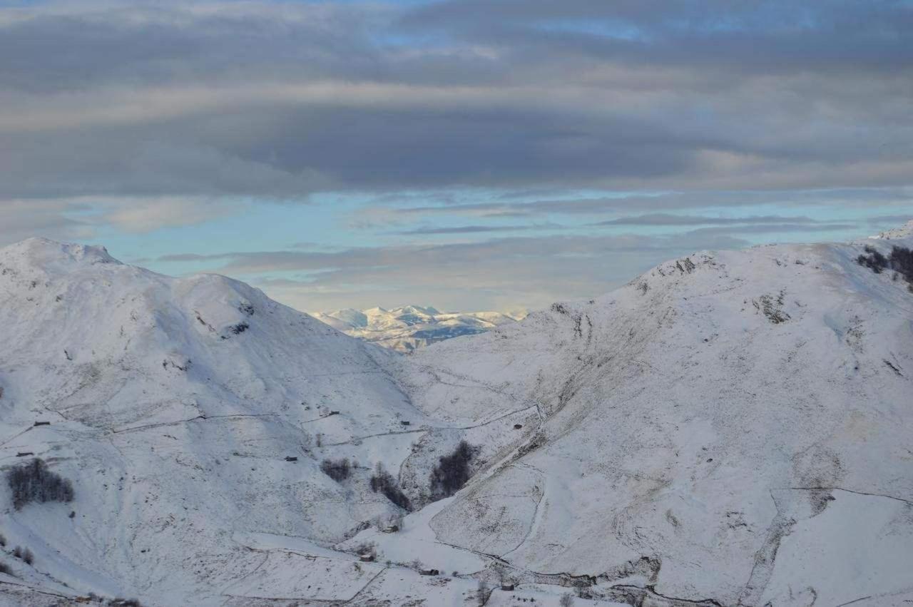 vacaciones de interior disfruta de la nieve en los valles pasiegos