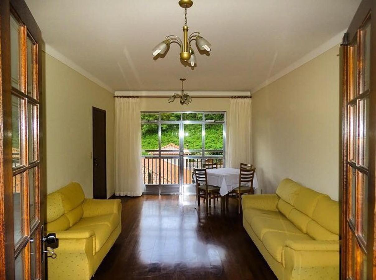 Sala de estar do apartamento de 3 quartos.jpg