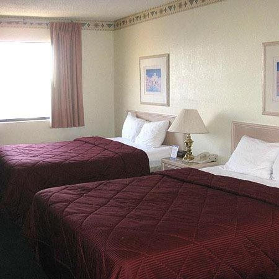 Deluxe King Room with Sofa Bed1