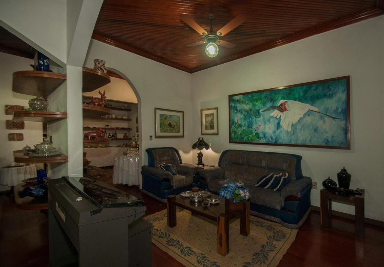 Sala de Leitura e Social Pousada Águas do Pantanal.jpg