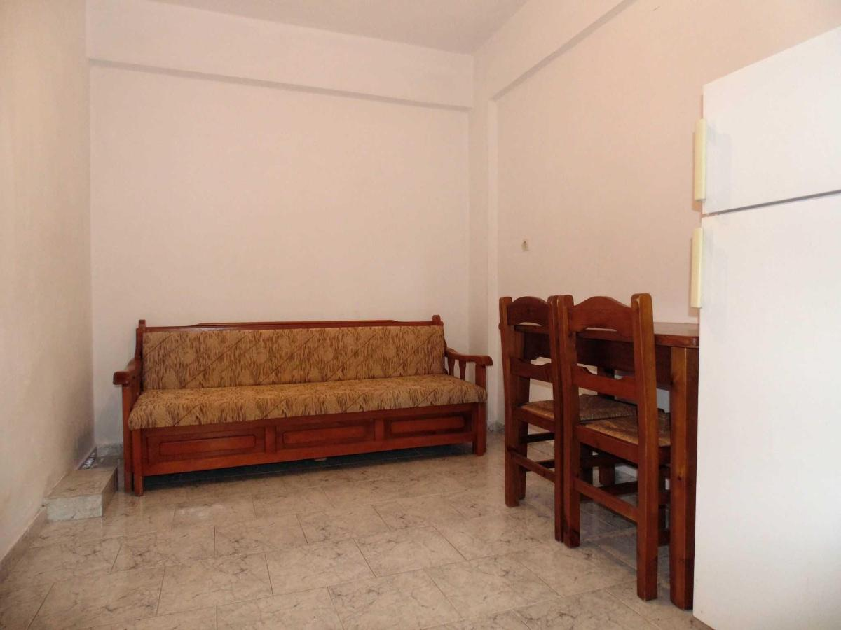 One-Bedroom Economy Apartment