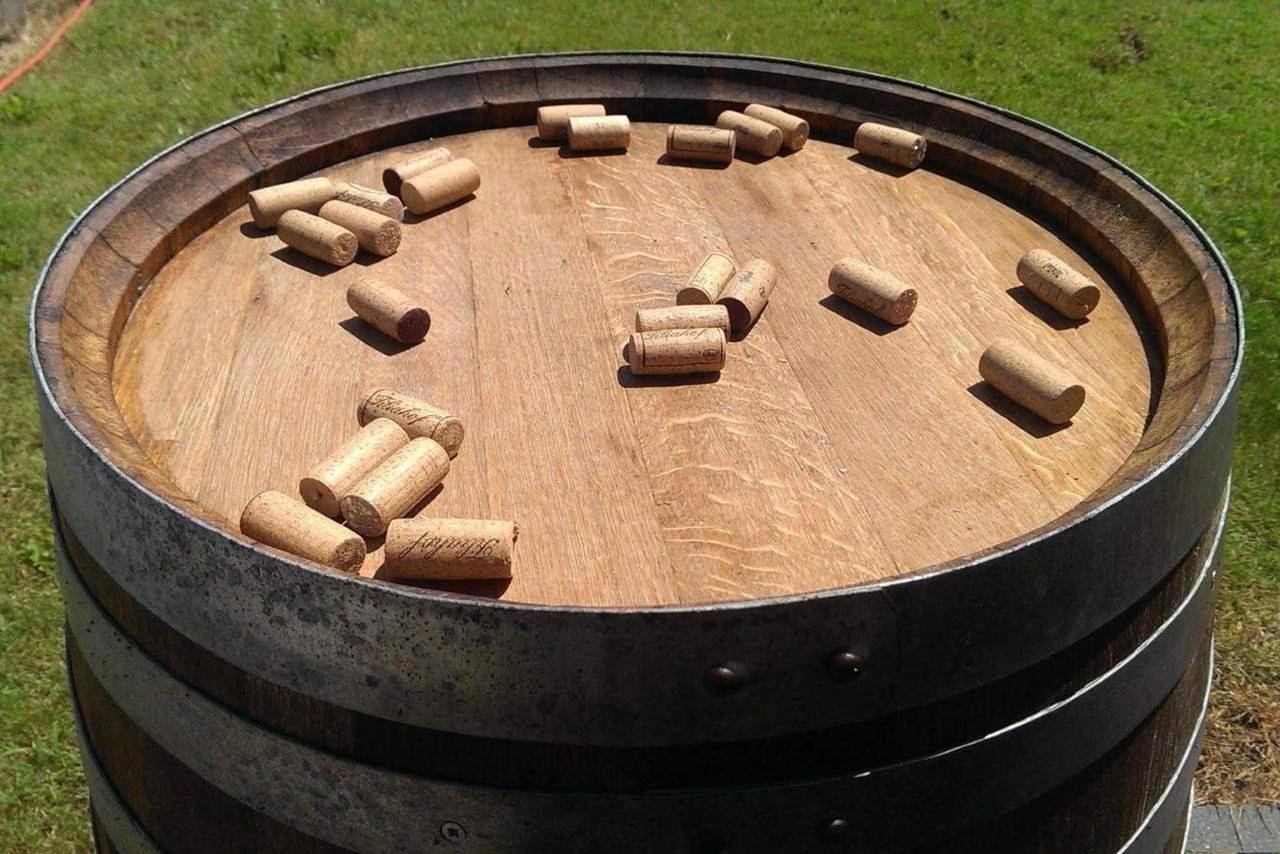 Weinfass Weinkorken.jpg