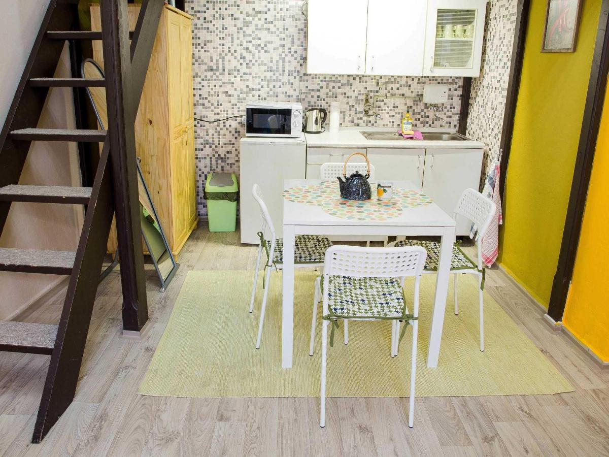 Budget Studio Apartment with external private bathroom