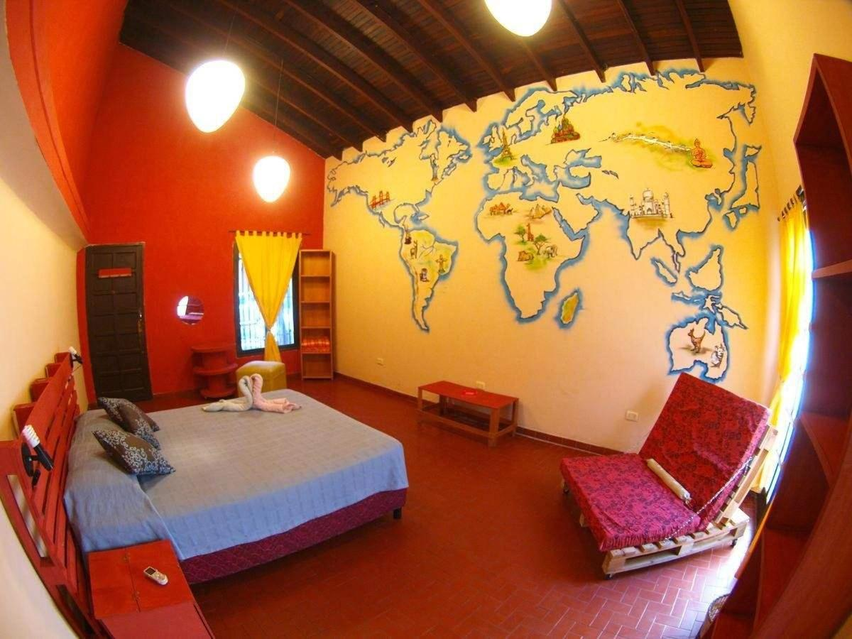 private double room hostel asuncion paraguay.jpg