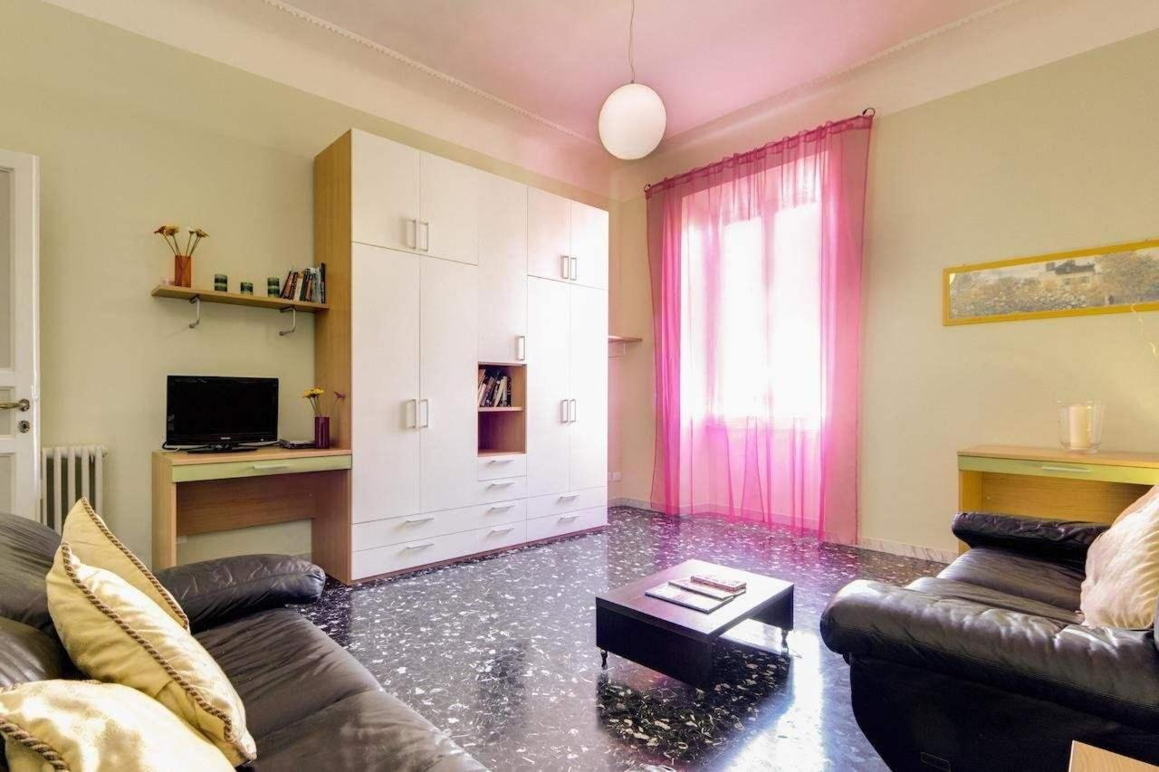 Three-Bedroom Apartment - 30 Via Magna Grecia2