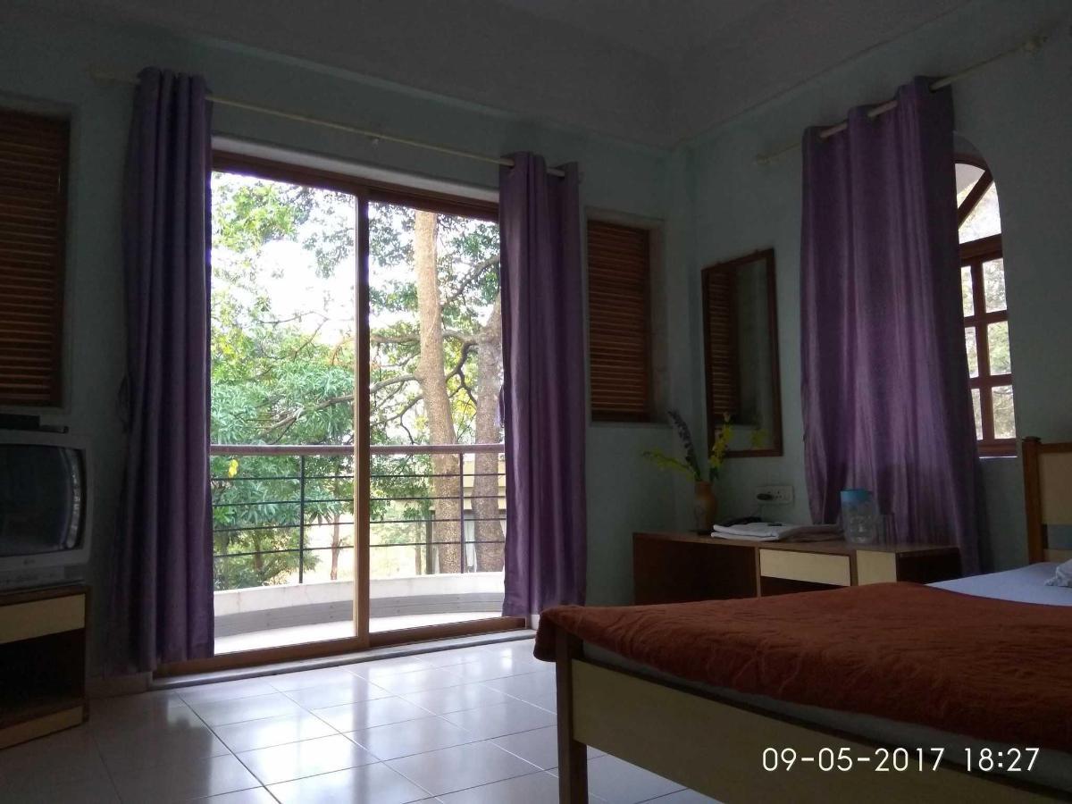 deluxe Rooms no. 5.jpg