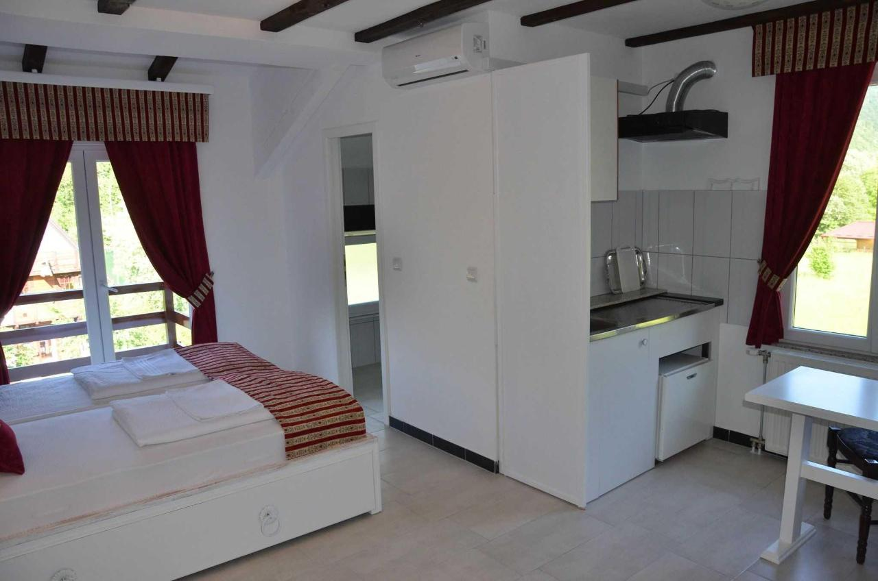 Rooms and Apartments Neron