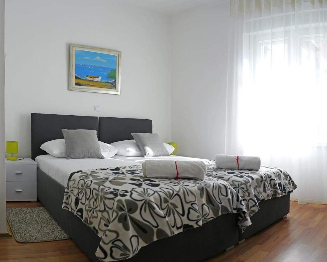 Huonetta1