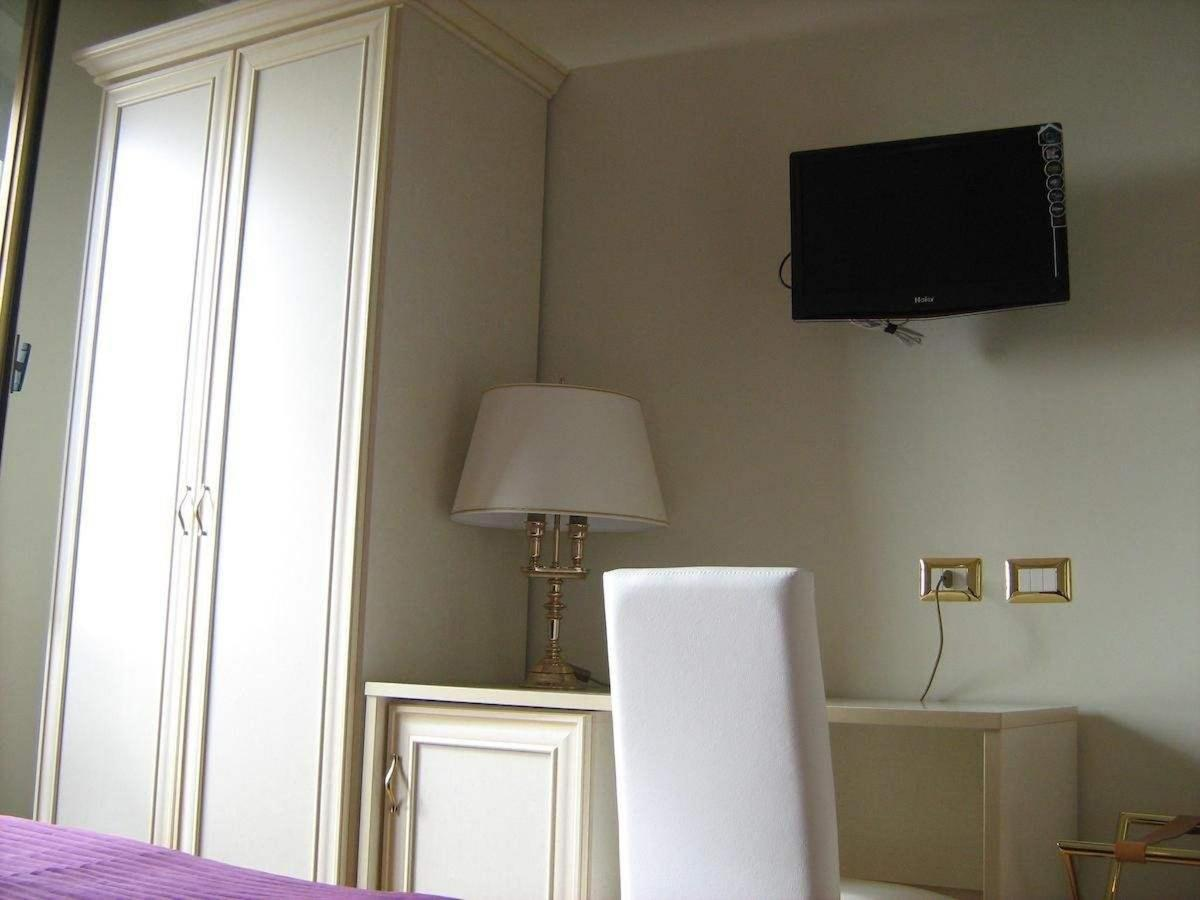 Rooms2
