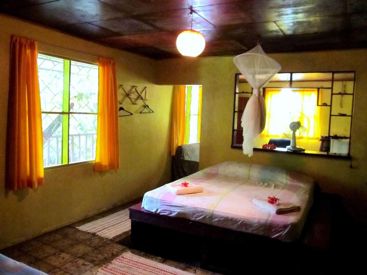 BEDROOM IN BUNGALOW