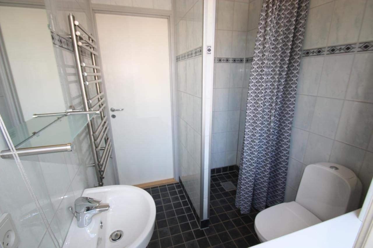 badværelse til familieværelse m/egen bad.jpg