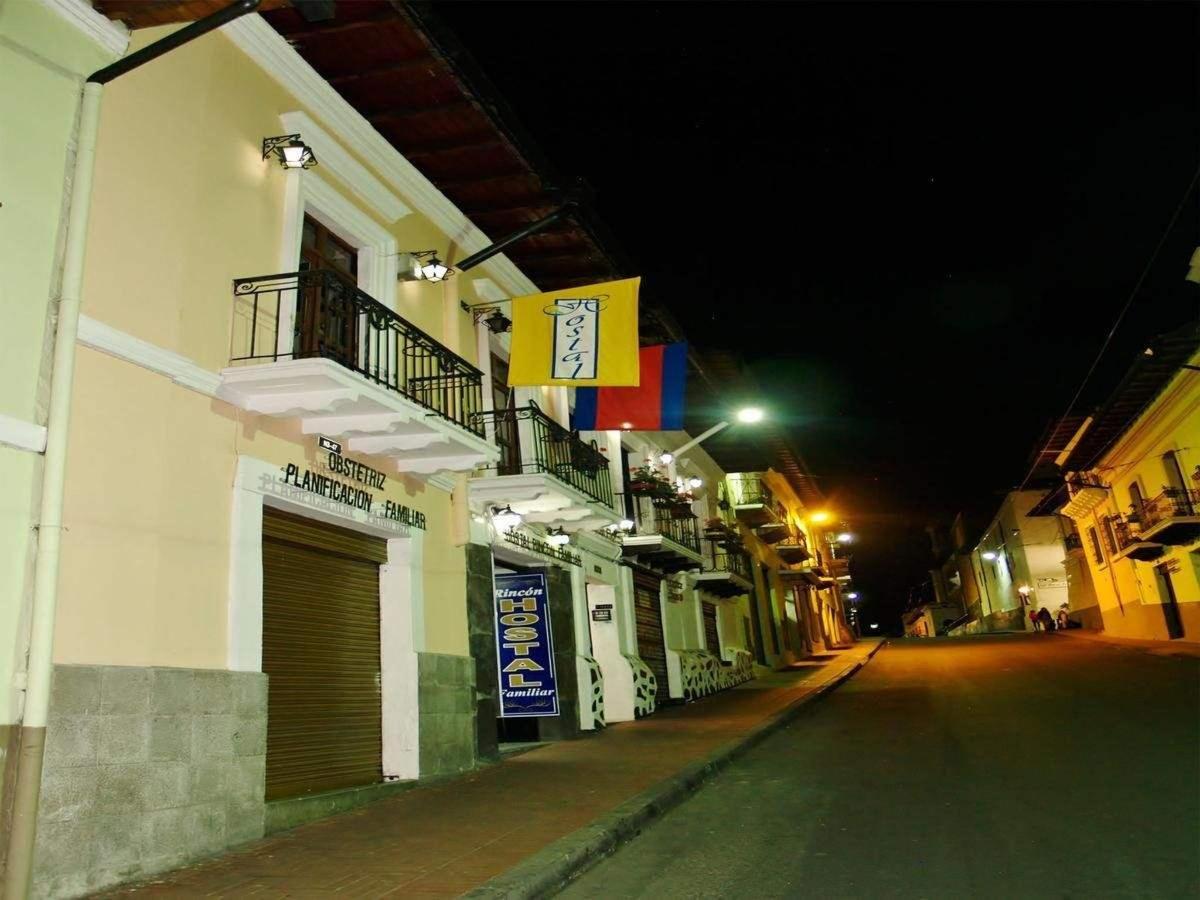 Exterior calle Flores Rincon Familiar Hostel