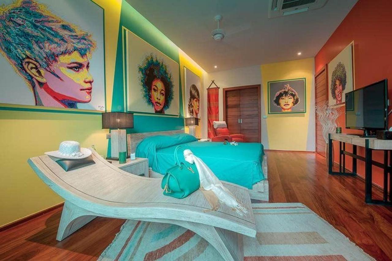 Modern green bedroom