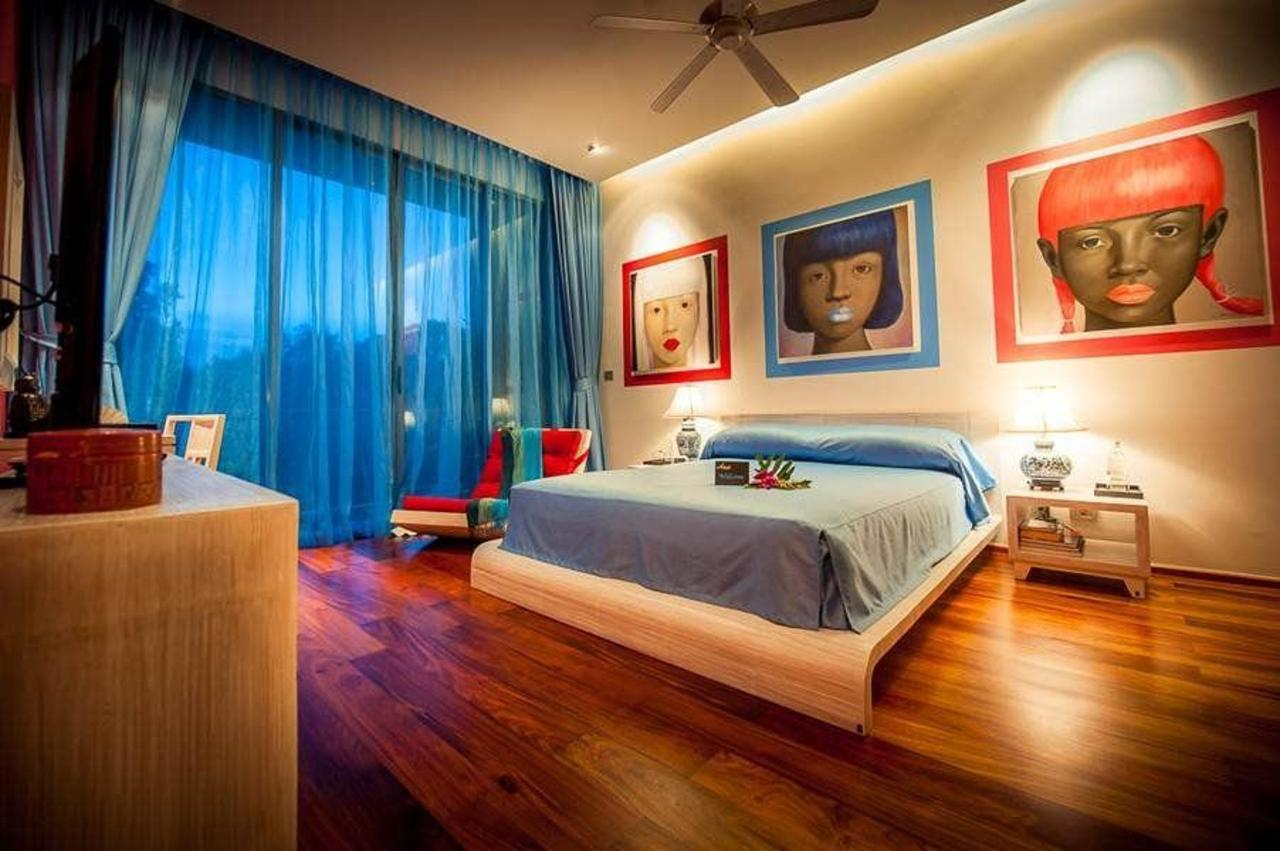 Modern blue Chinese style bedroom