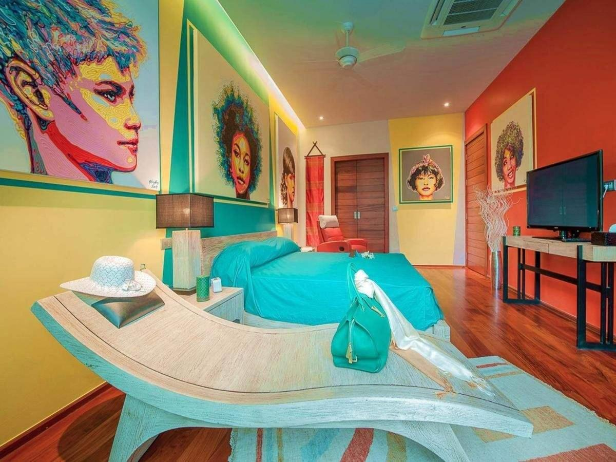 Modern green bedroom with king size bed