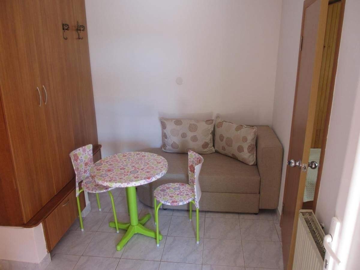 Apartman za tri osobe i dete