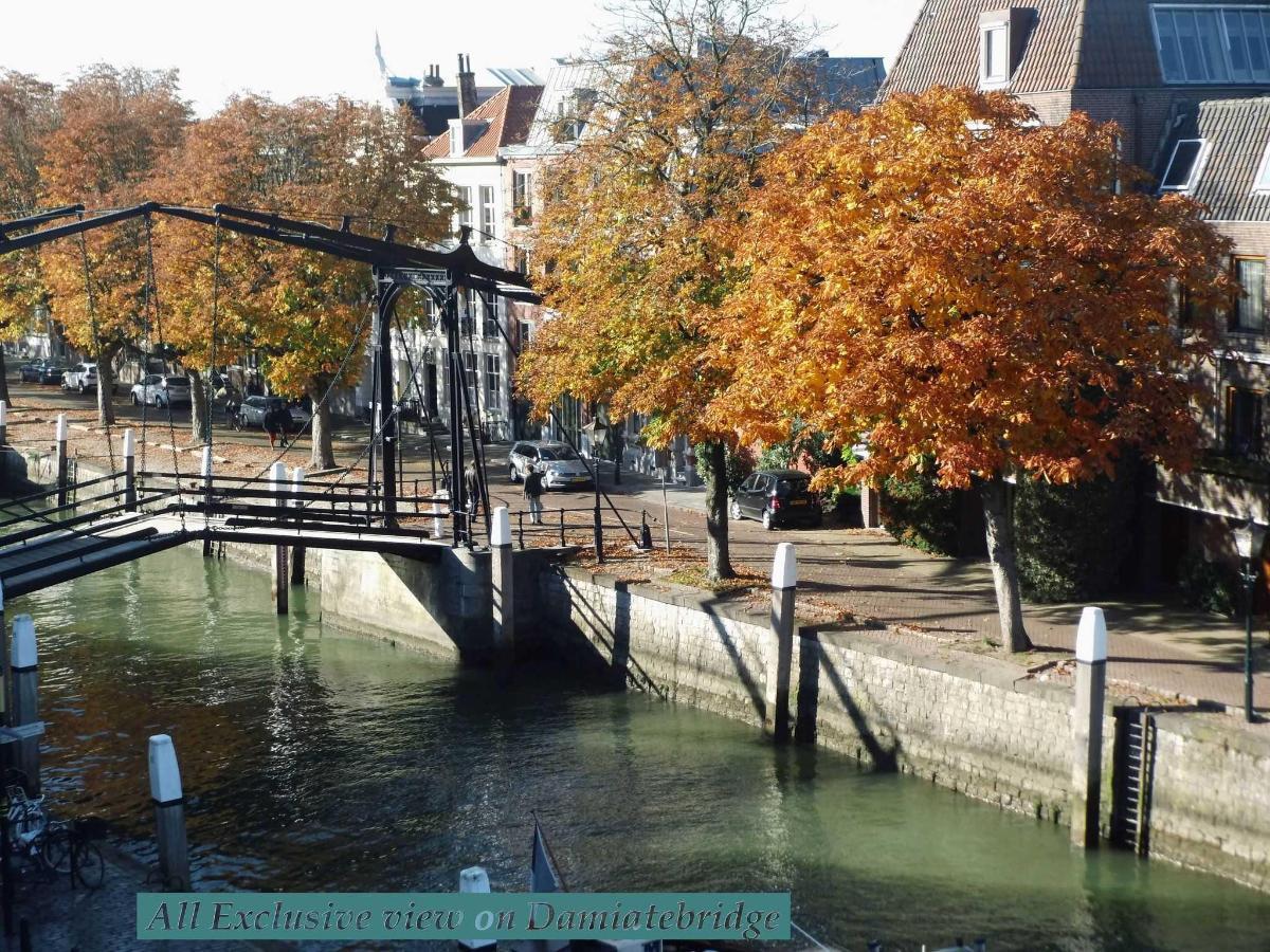 Zicht op Damiatebrug