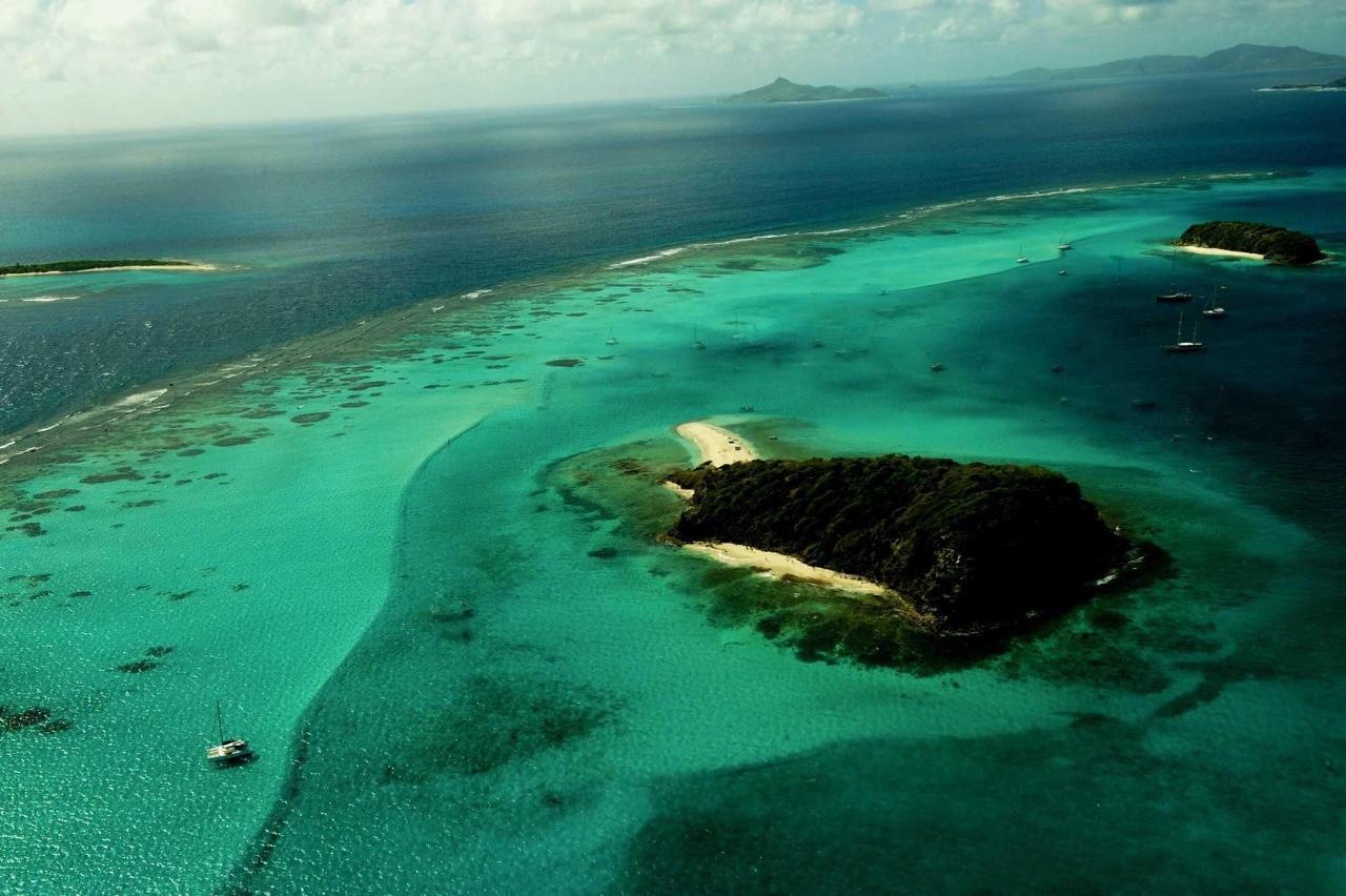 Tobago Cays near Saint Joseph's.jpg