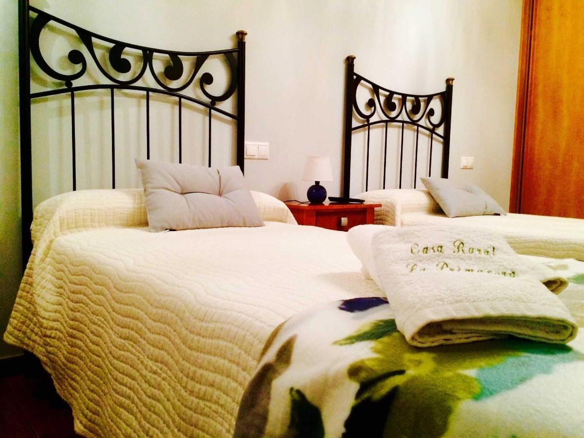 Habitación El Otoño: toallas bordadas