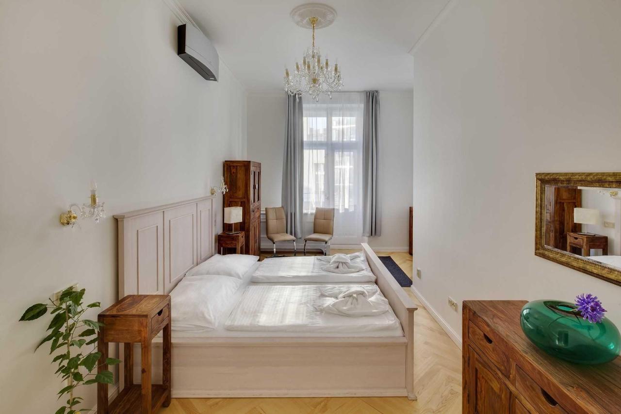 jprerovsky_old_town_square_apartments_v_kolkovne_3423-1.jpg