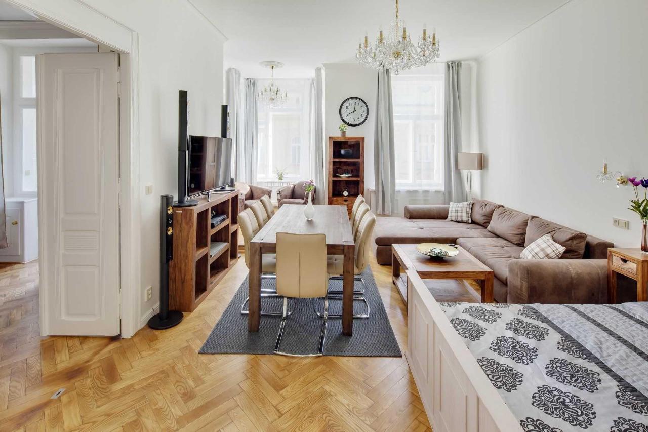 jprerovsky_old_town_square_apartments_v_kolkovne_3596-1.jpg