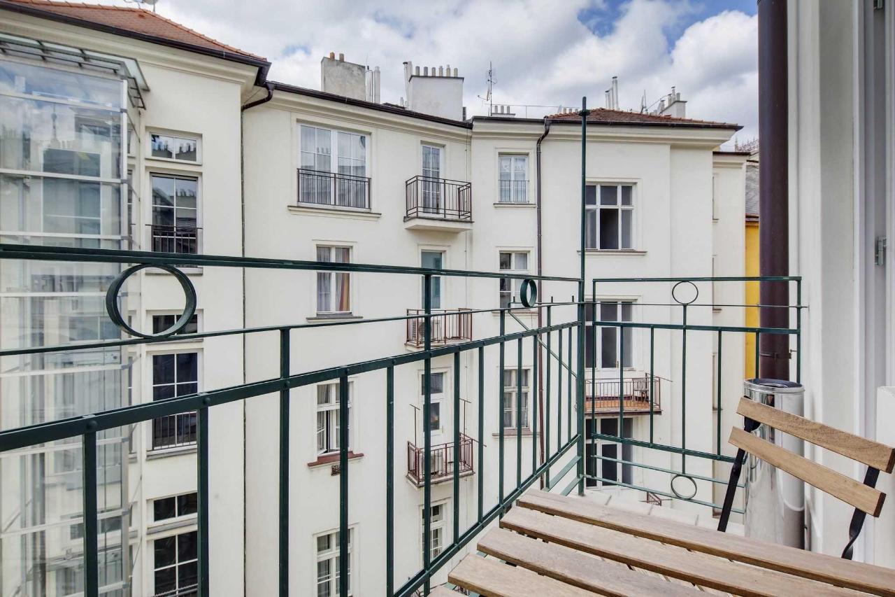 jprerovsky_old_town_square_apartments_v_kolkovne_4140-1.jpg