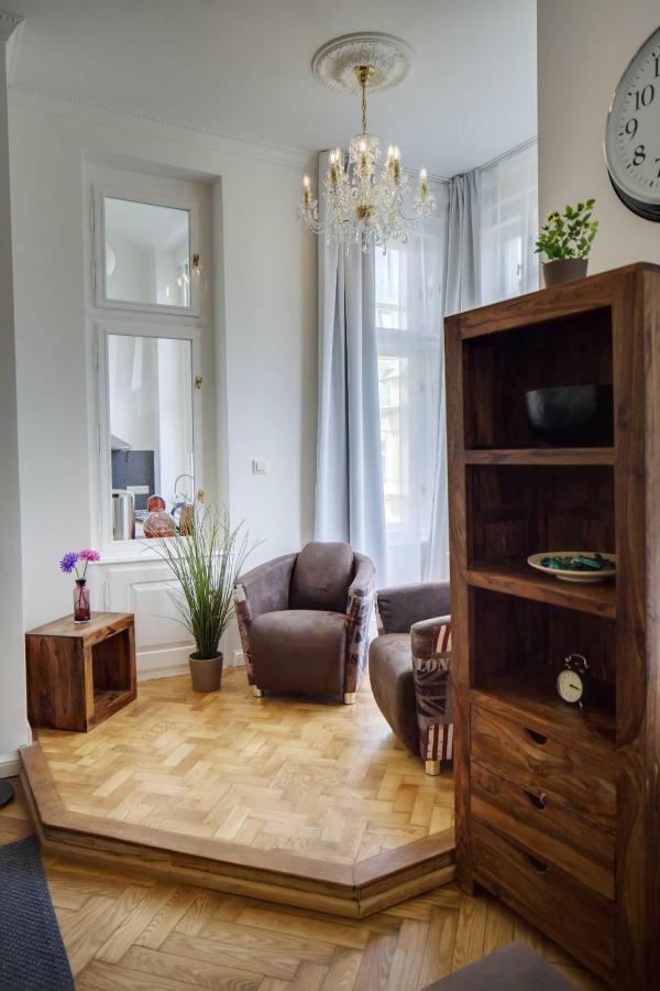 jprerovsky_old_town_square_apartments_v_kolkovne_4437-1.jpg