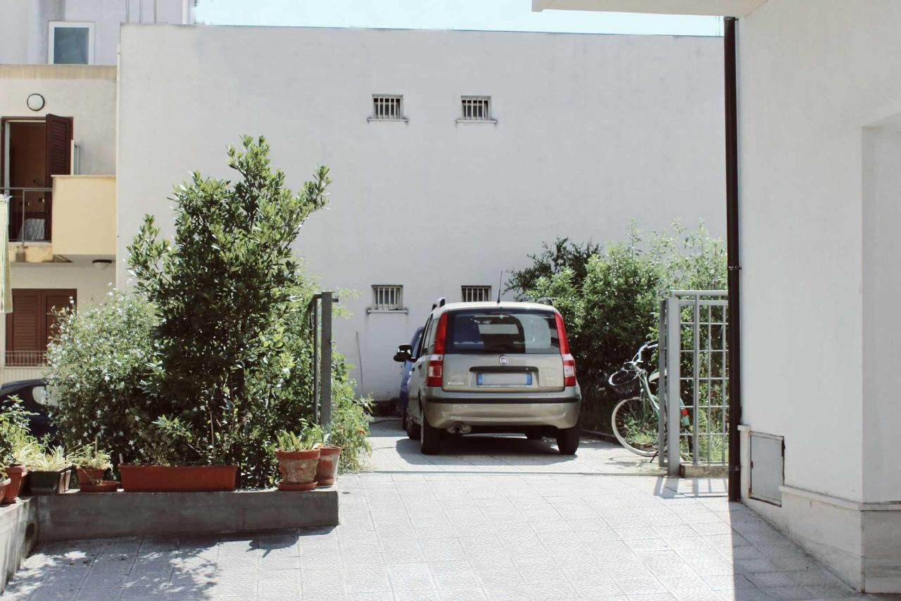 beb-sirio-villa-san-giovanni-private-car-park.jpg