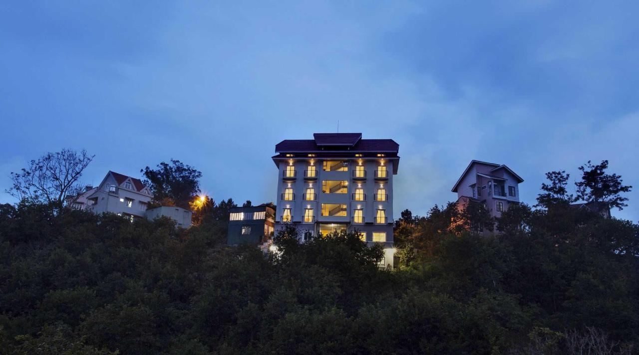 villa on hill.jpg