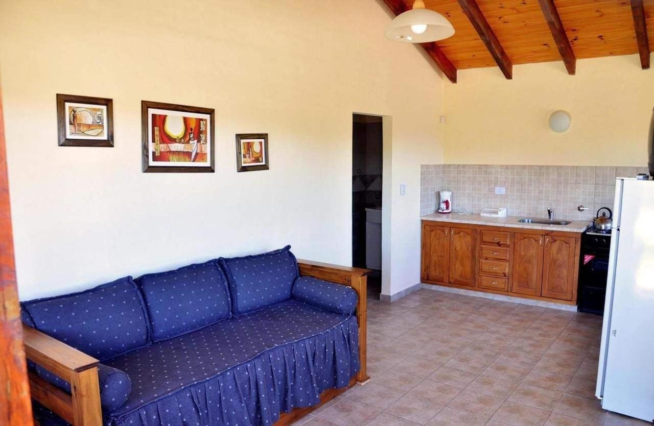 Cocina y sofá cabaña III