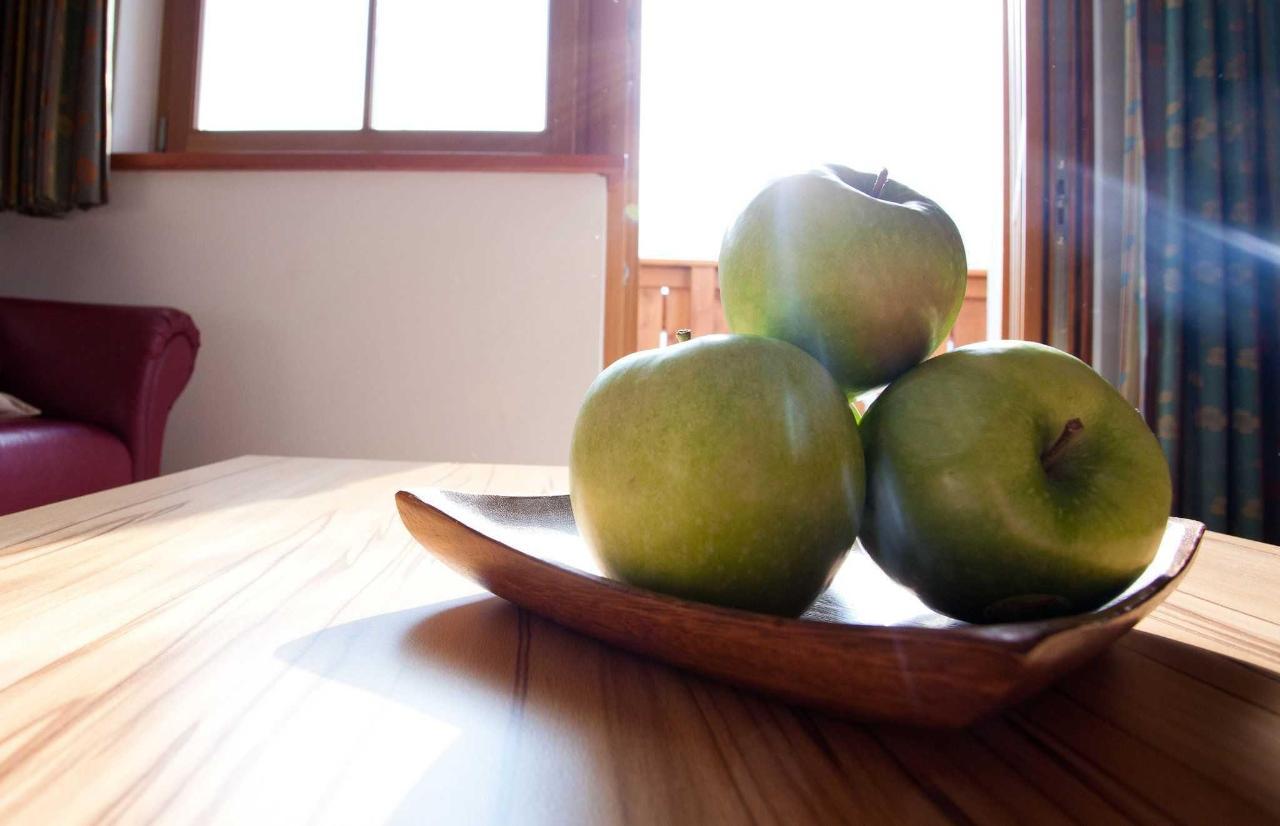 General_Apples1