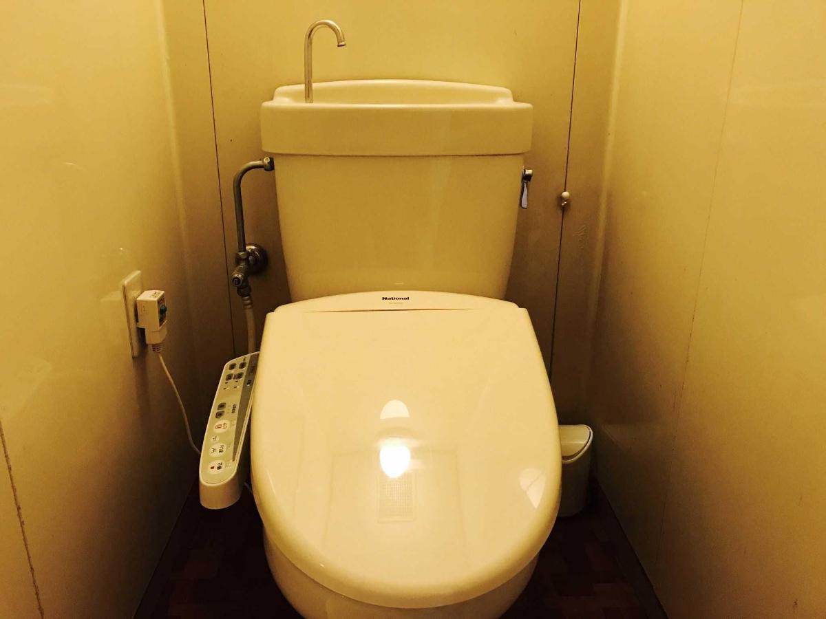 客房內溫水馬桶