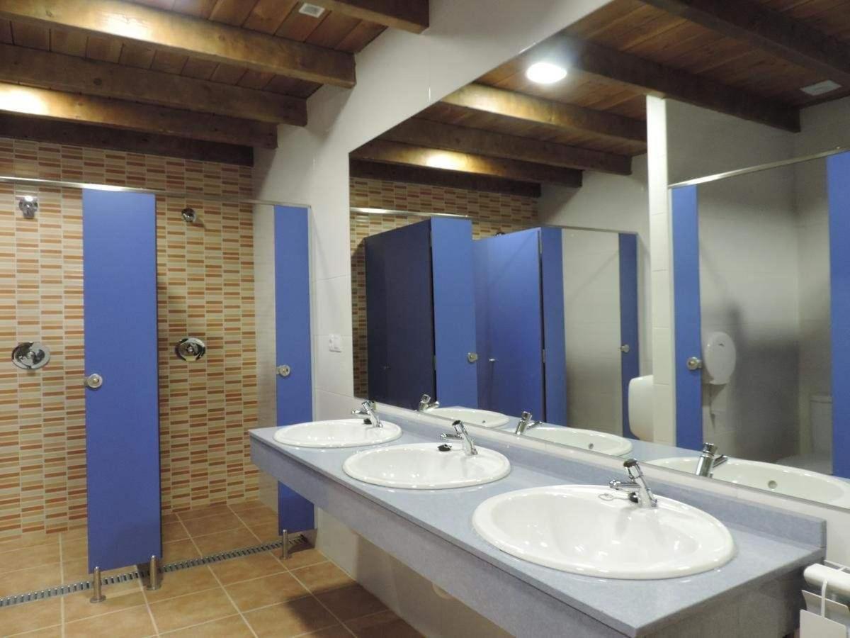 Baño común masculino.jpg