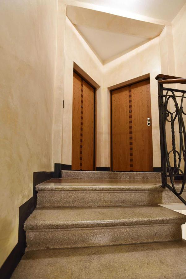 Portoni d'ingresso appartamenti