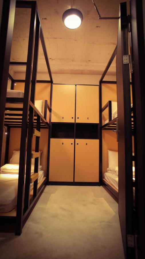 lockers in quadruple room.jpg