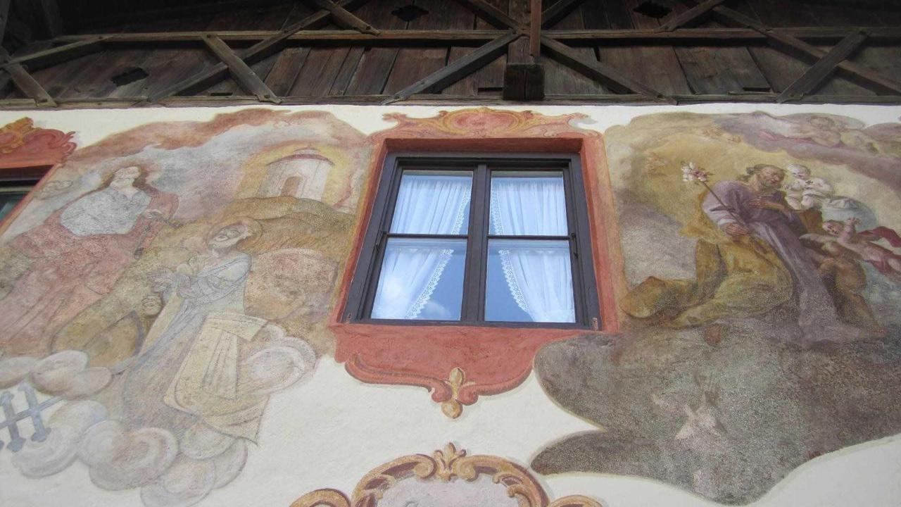 Frescoes from the 18th century