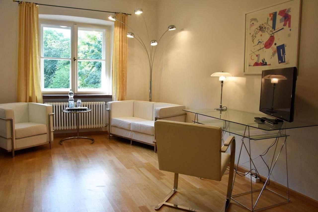 Parkview Suite Wohnbereich.jpg