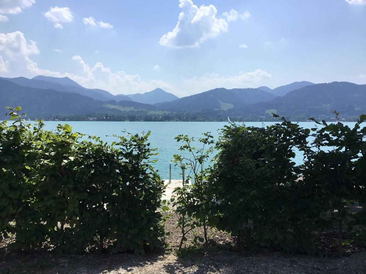 Blick auf den Badesteg und auf den See.jpg