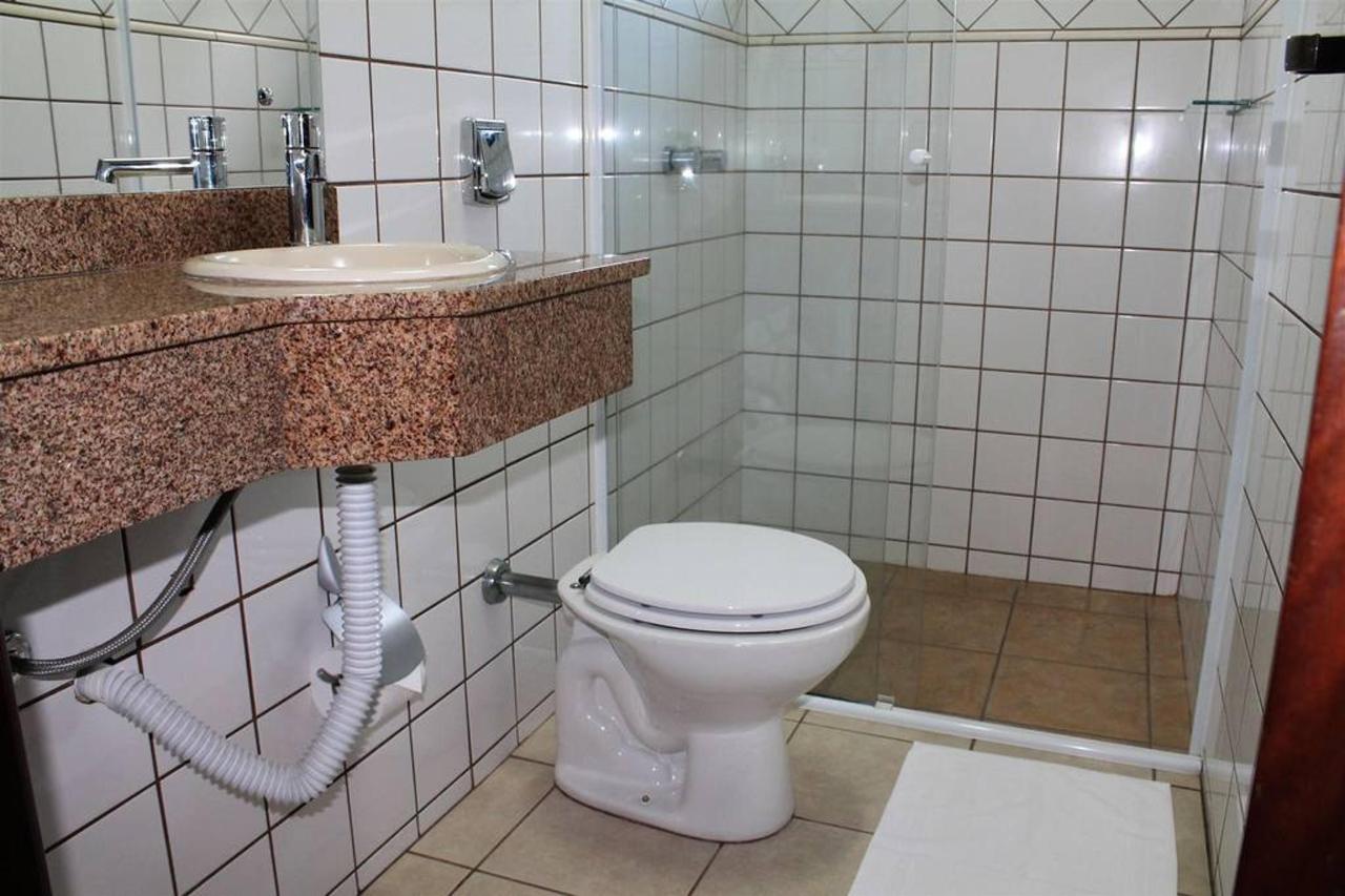 Banheiro Pousada Blauberg.jpg