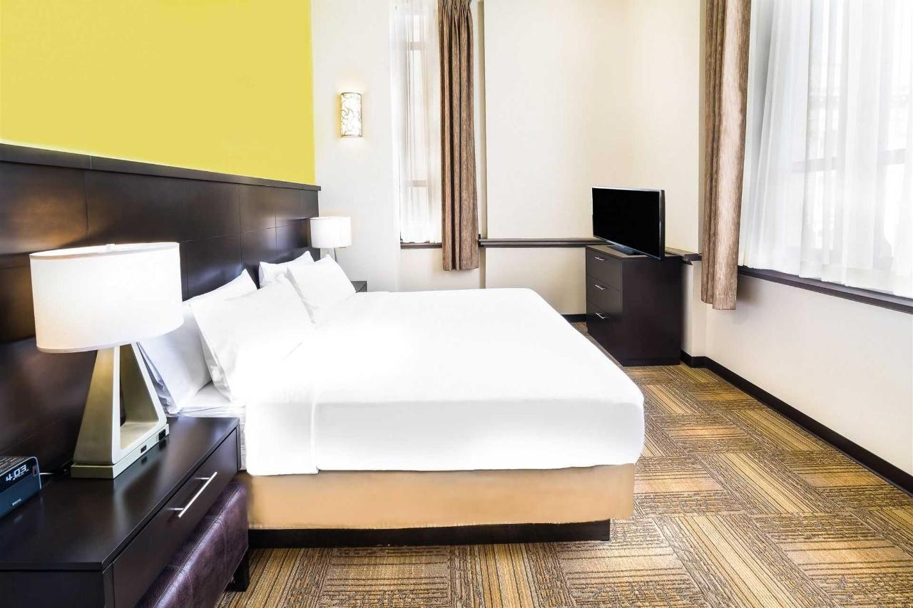 Staybridge room 2.jpg