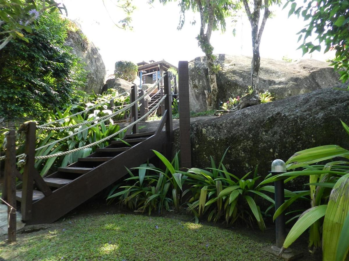 Piedras y jardines del pueblo (5) .jpg