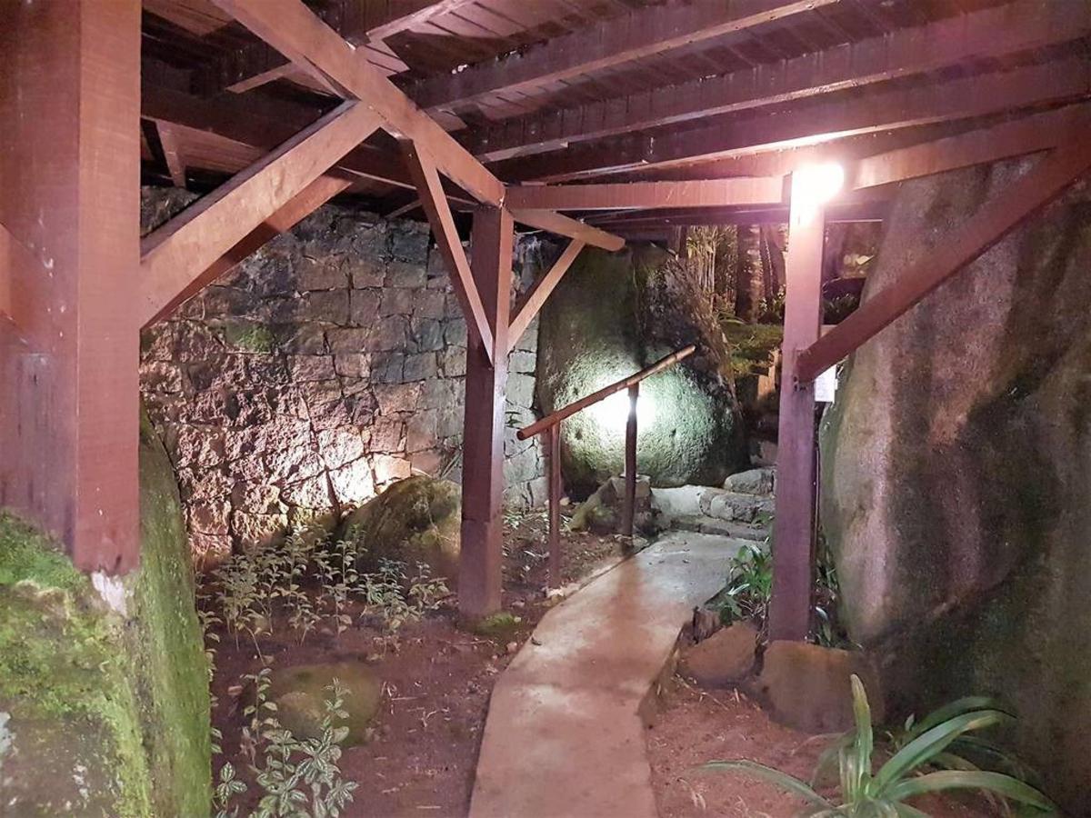 Piedras y jardines del pueblo (16) .jpg