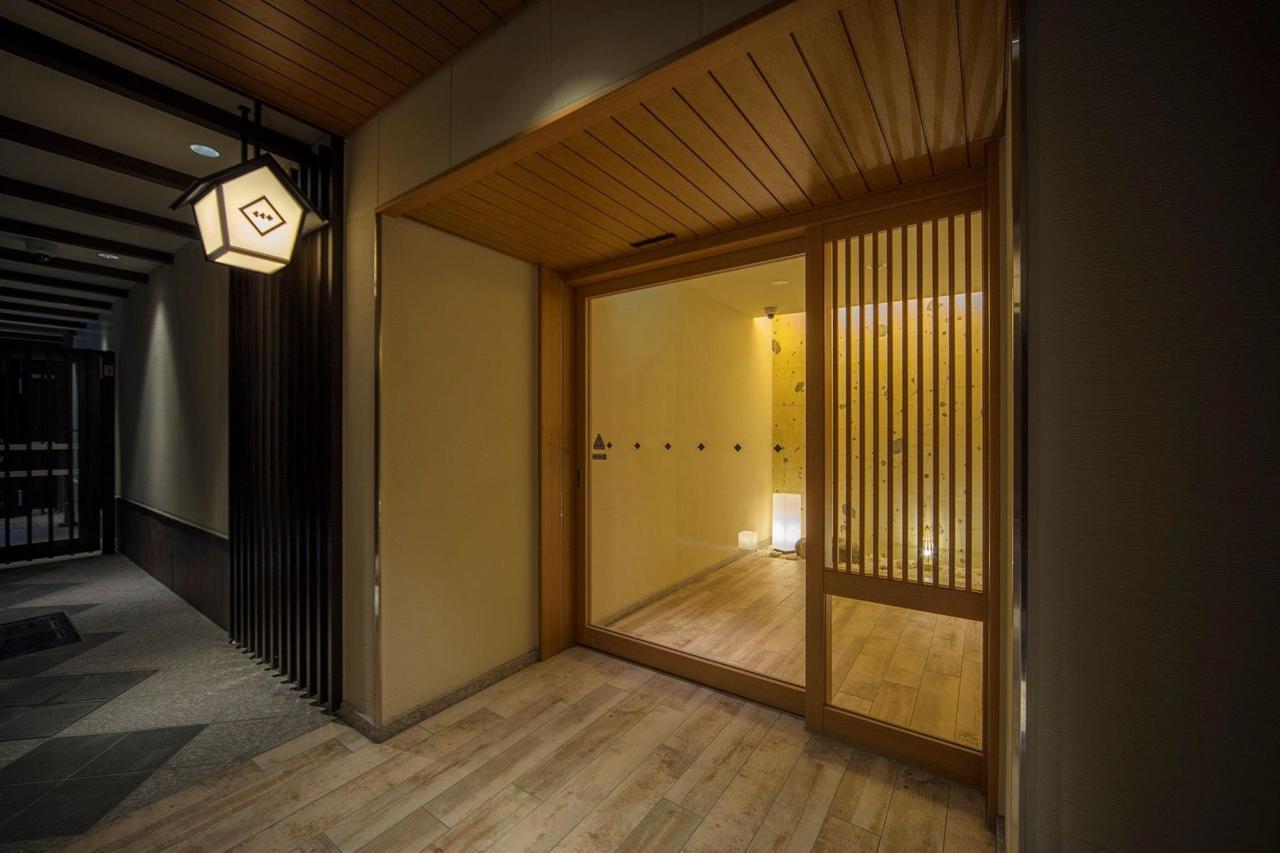karasuma_entrance_04.jpg