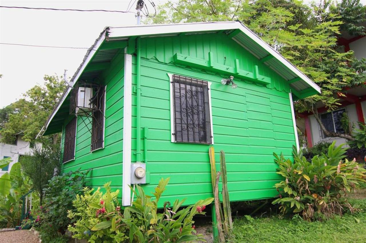 Alojamientos Rain Forest Heaven Cabana overview.JPG