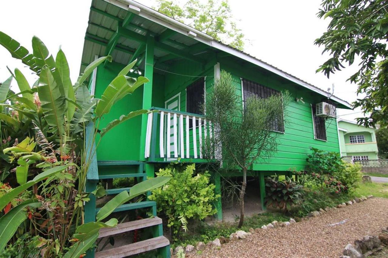 Alojamientos Rain Forest Heaven Cabana Stair.JPG
