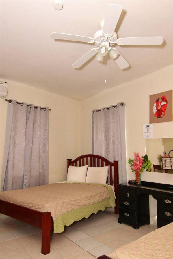 Accomodations Rain Forest inn suite 4 bedroom ov.JPG
