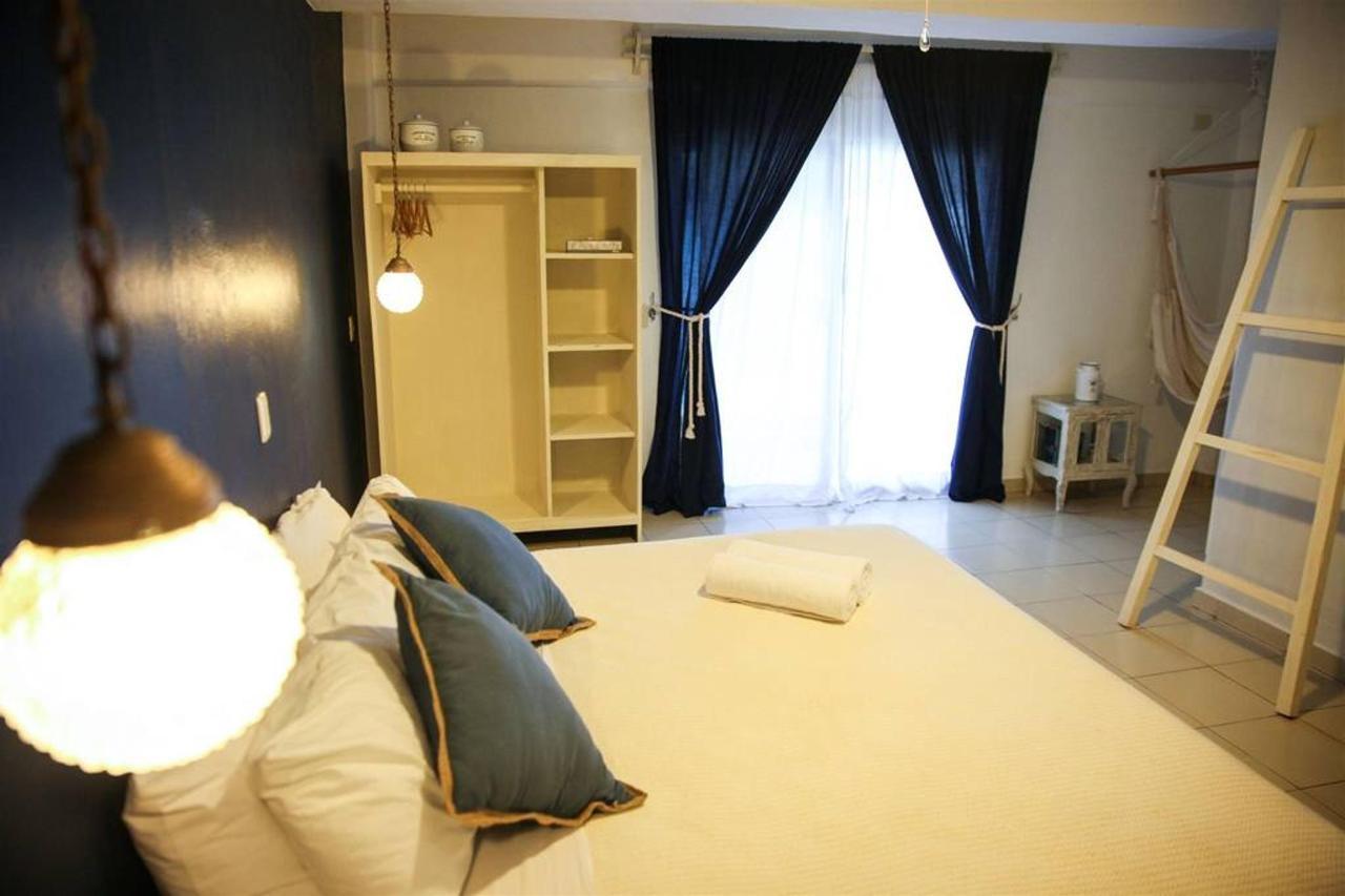 Room - Howlita Hotel.jpg