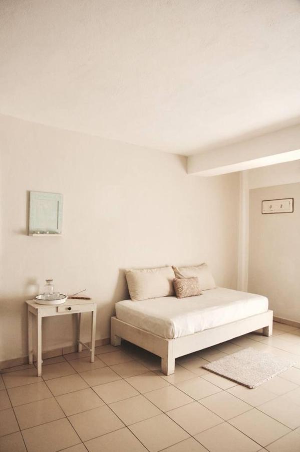 Room Detail - Howlita Hotel.jpg